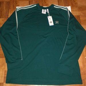 Adidas long sleeve 💚
